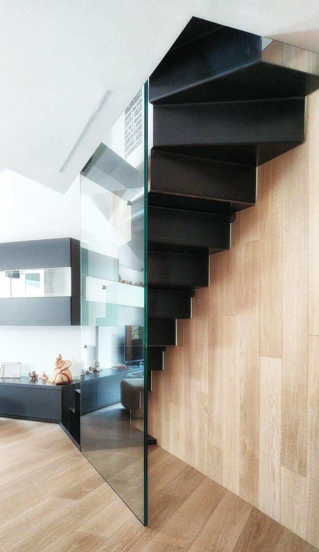 Una mansarda con tanta luce in cucina | Salire in mansarda | Home ...