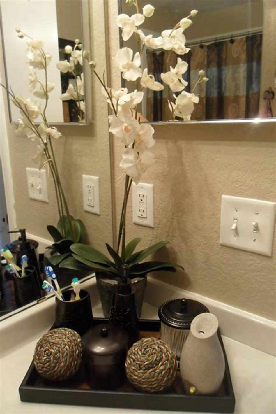 40 Beautiful Bathroom Vanity Tray Decor Ideas Decorecent Unique Bathroom Decor Bathroom Counter Decor Guest Bathroom Decor