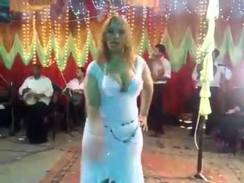مع صافيناز سخونة هز الصدر الارداف في فرح شعبي مصري Arab Girls Long Sleeve Dress Dresses With Sleeves
