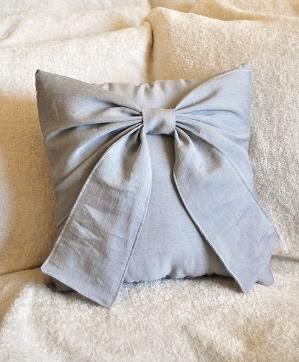 DIY bow pillow by marjorie