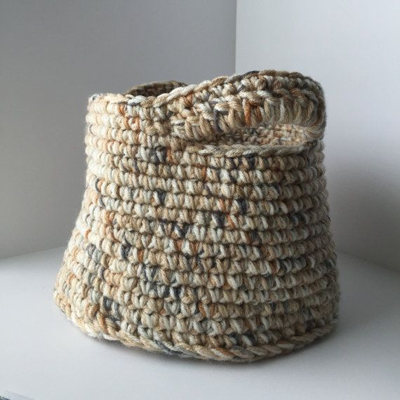 Medium Crochet basket tan and olive by Tenitab on Etsy