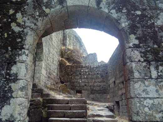 Entering the castle...  #Monsanto Village #Aldeia de Monsanto