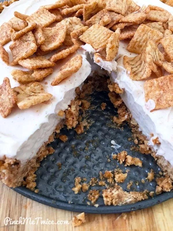 No-Bake Cinnamon Toast Crunch Cheesecake - Pinch Me Twice