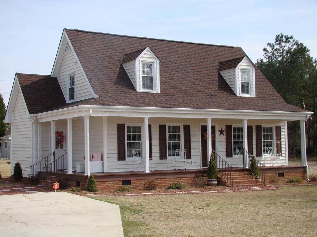 Best Image Result For What Color Siding Looks Good With Hickory 400 x 300