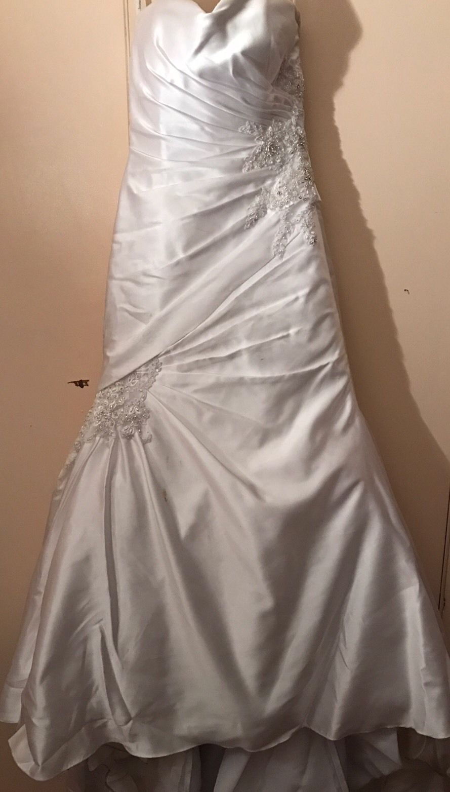 0d6e65ffc 599.99 | BEAUTIFUL WEDDING DRESS, Retail $1400 ❤ #beautiful #wedding #dress  #retail #1400 #fit #Trends #Juvenil #ForWomen #tshirts #fashioninspo  #shopping ...