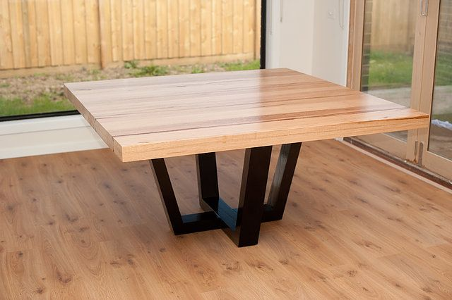 Entertain Your Guests With A Comfortable High Quality Dining Room