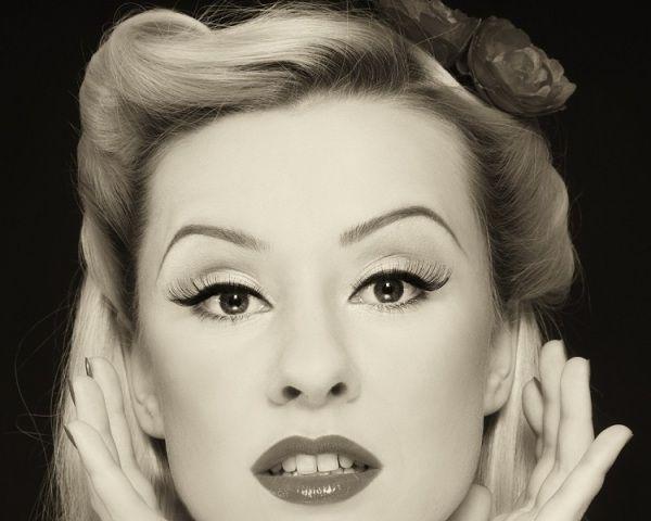 1930 Hairstyles 1930s hair styles swing fashionista id like my hair like this every 1930s Hairstylesjpg 600480