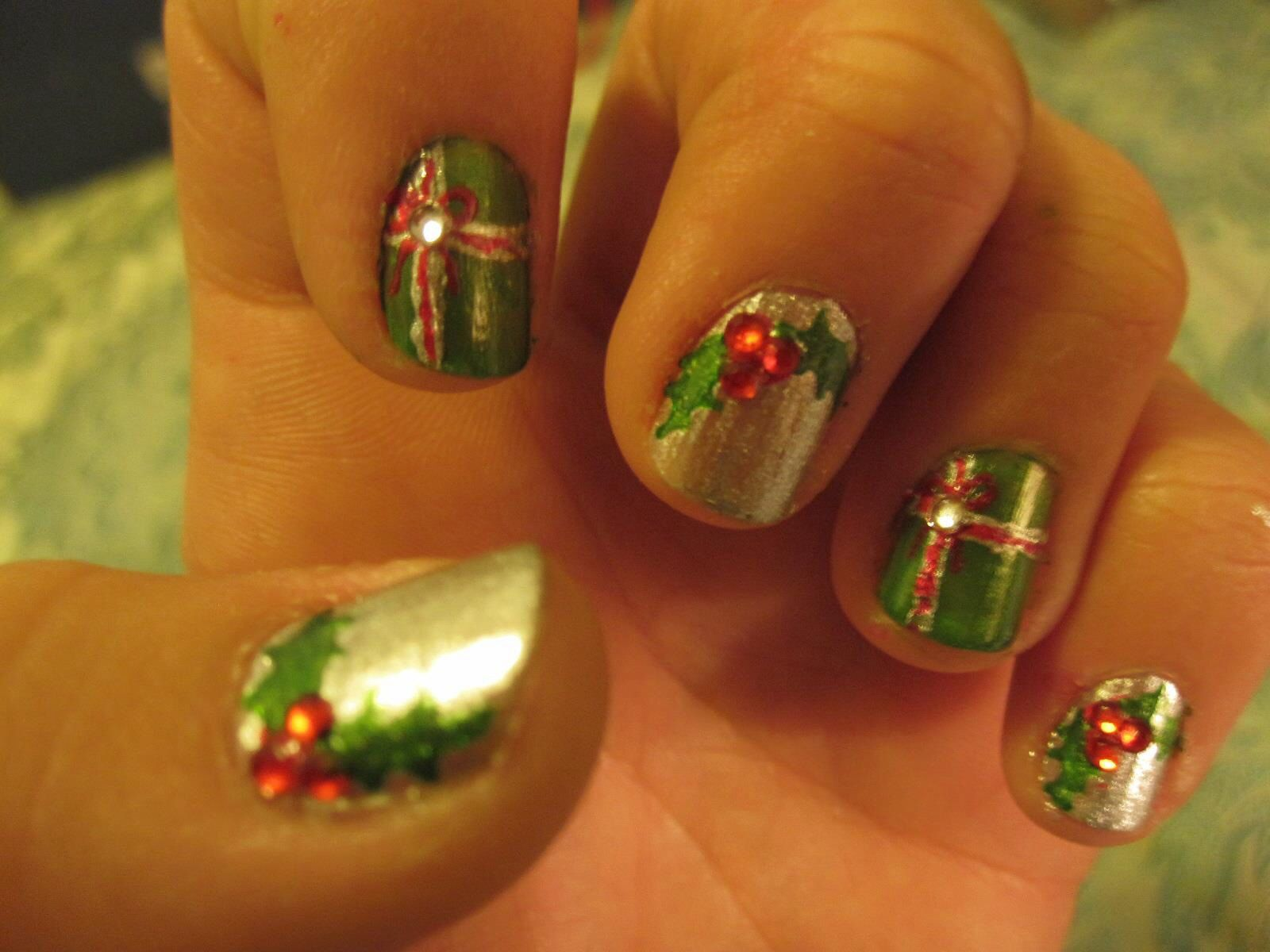 Christmas nails done by Michelle Kim. No fake nails. All drawn by ...