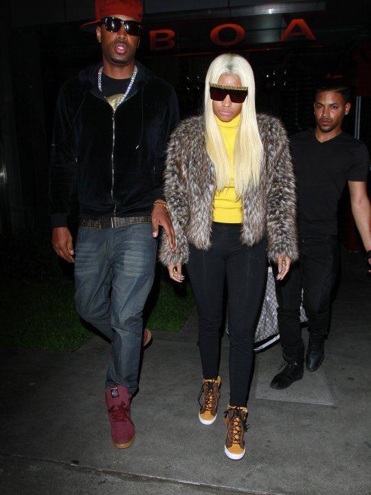 3e01e21dbbe0 Nicki Minaj in Offset by Céline Chain Sunglasses