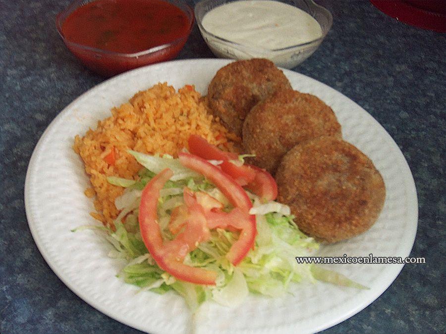 Mexico En La Mesa Tortitas De Carne Molida Empanizadas Tortitas De Carne Molida Carne Molida Tortas De Carne