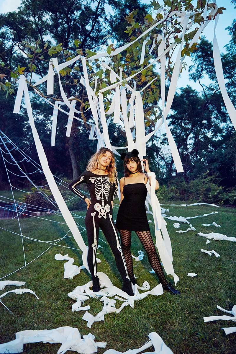 Thursday Tip Off How To Tp And Un Tp A House Urban Outfitters Blog Halloween House Party Halloween Girl Halloween Queen