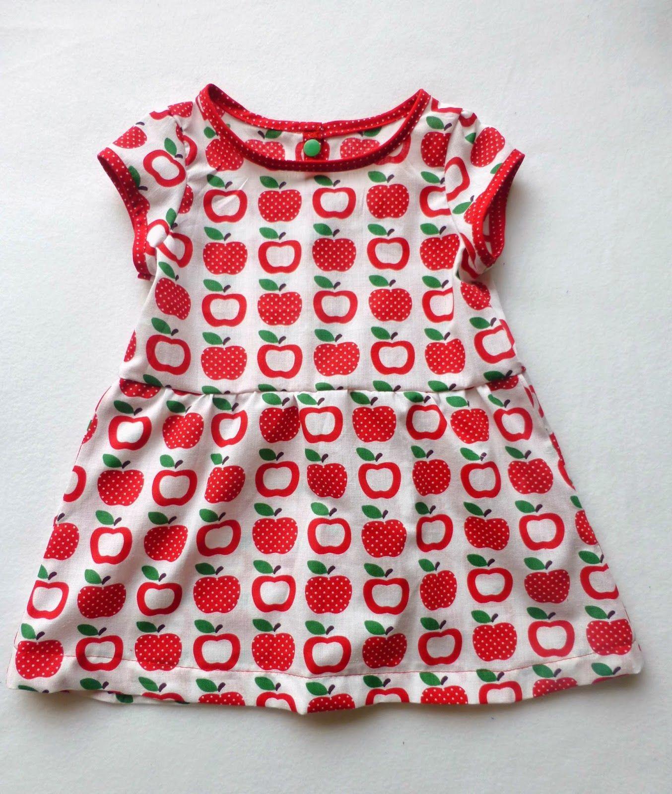 süßes Äpfelchenkleid