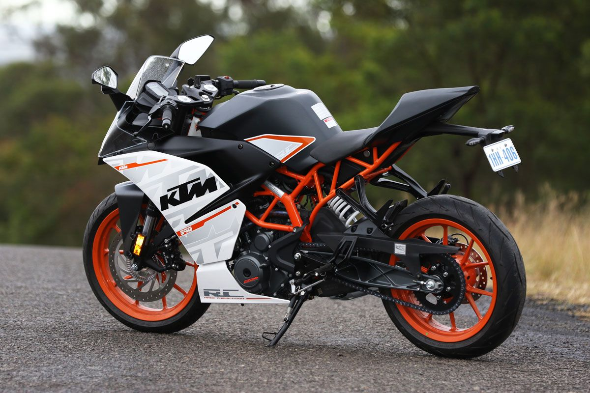 Review 2015 Ktm Rc 390 In 2020 Ktm Rc Ktm
