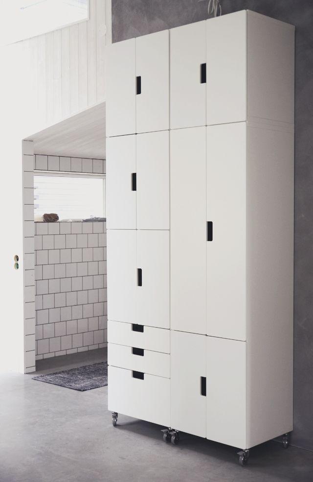 pour l 39 am nagement du placard entr e cuisine exemple de. Black Bedroom Furniture Sets. Home Design Ideas