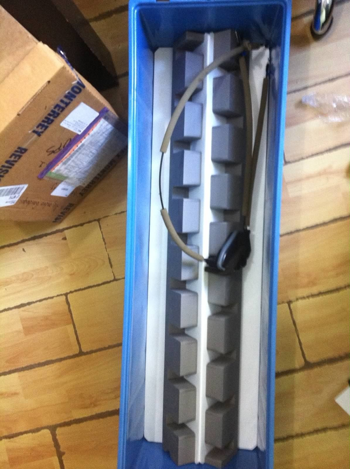 Foam and corrugated plastic insert / dunnage to hold door lock ...