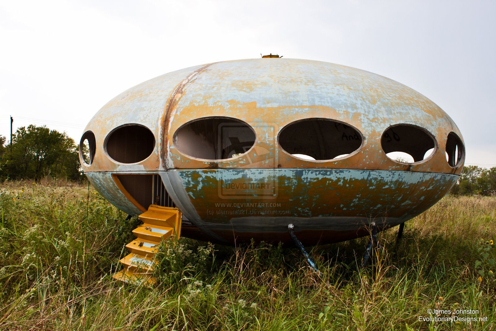 Abandoned futuro house in royse city texas oh my gosh i have totally been