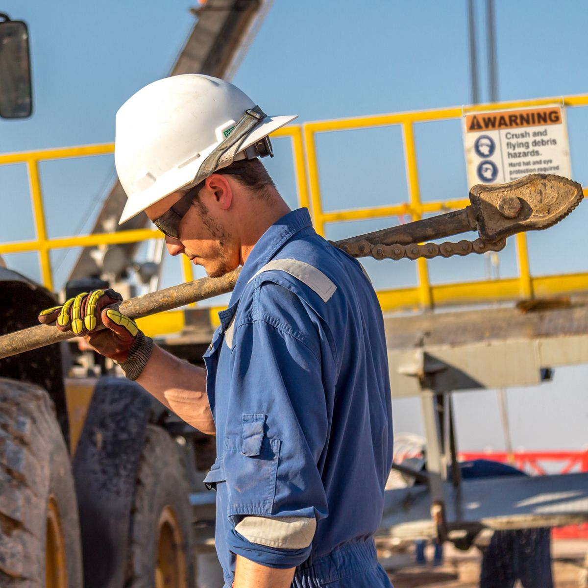 10 tips to improve worker safety on your next oil and gas