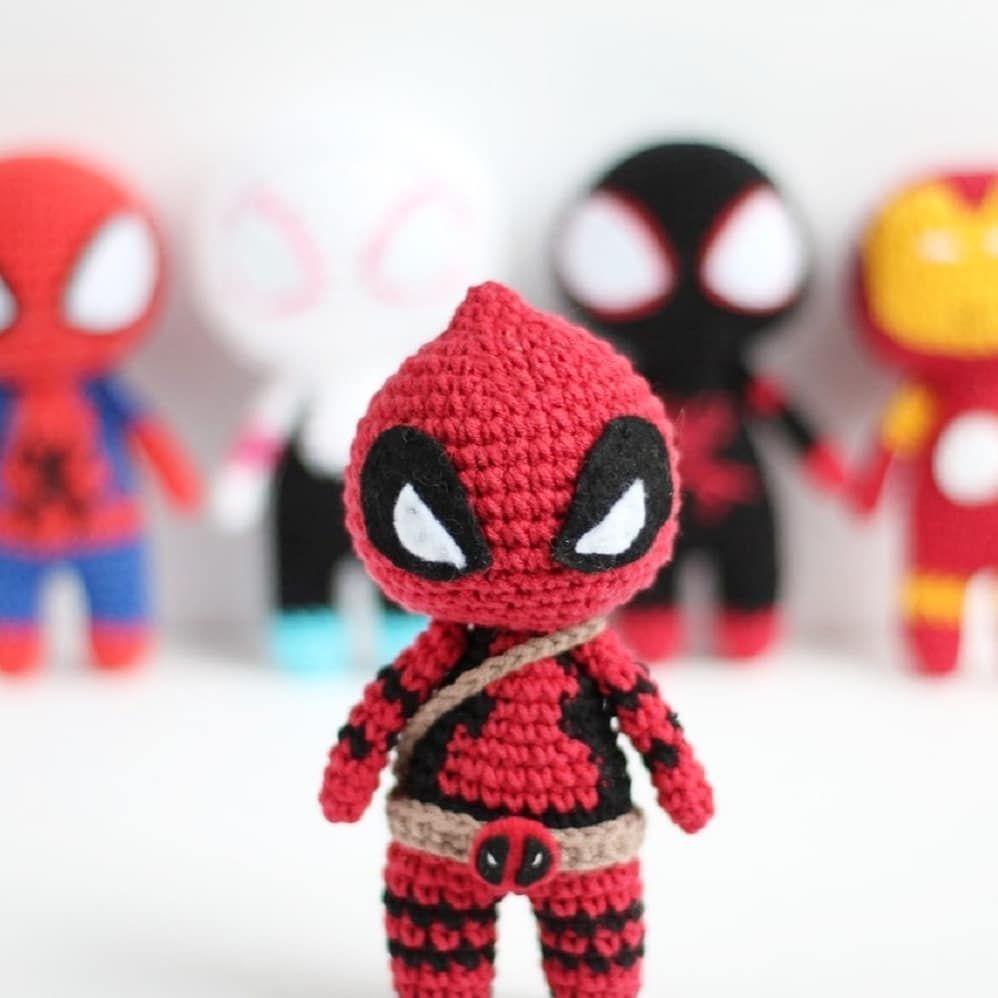 Deadpool Amigurumi | Fazer croche, Brinquedos de crochê, Bonecas ... | 998x998