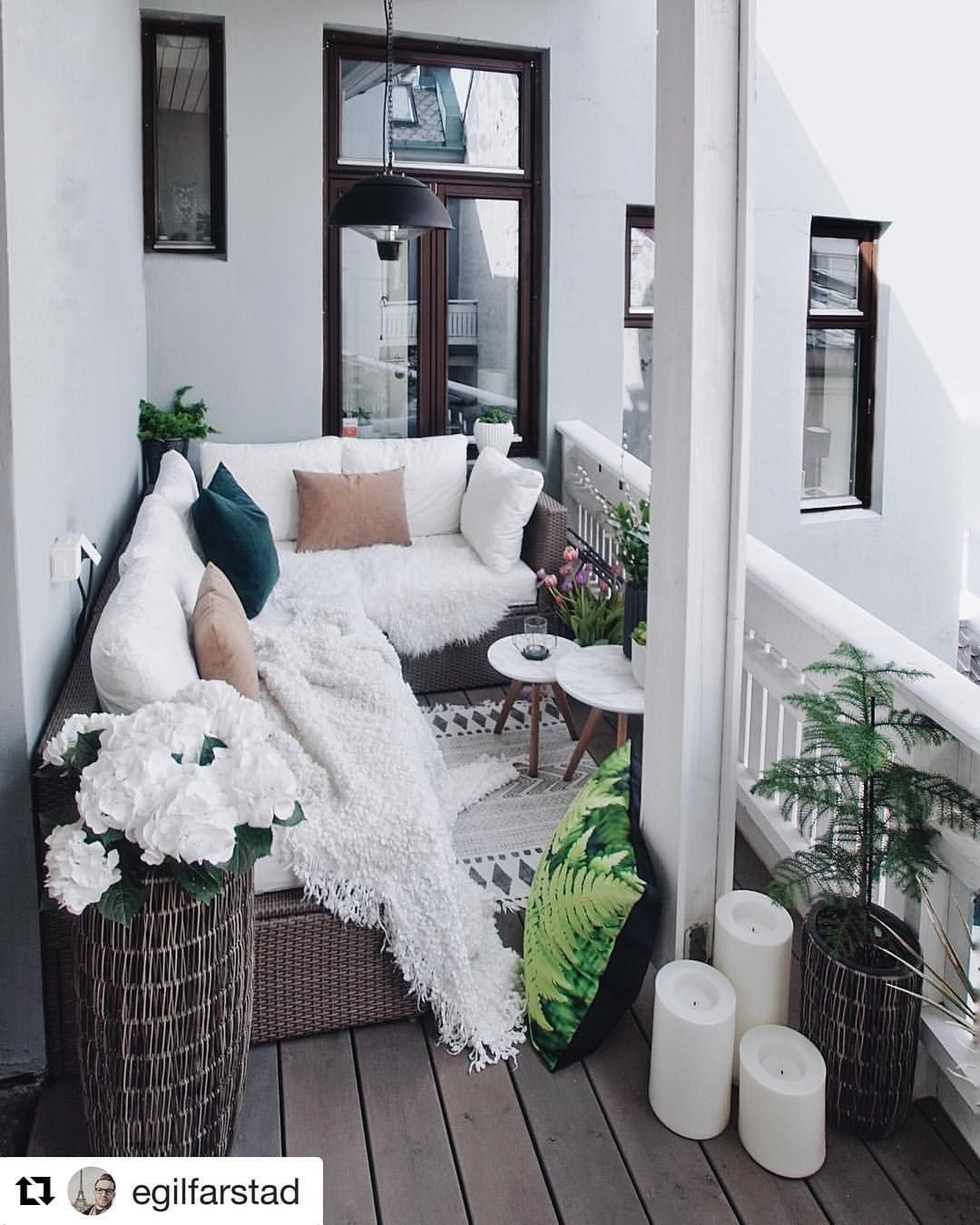 "Photo of Live Like You Like on Instagram: ""Wonderful balcony @egilfarstad 💕 Do you prefer a terrace or balcony? 🤔 _ #homebook #homedecor #terrace #balcony #interiordesign # interior125 # cozyhome … """