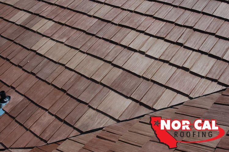 Comparison Of Asphalt Shingles Metal Plastic Polymer Clay Tile Concrete Tile Slate Wood Shingles And Shakes Shake Roof Cedar Shake Roof Roofing