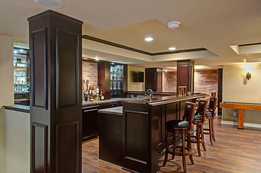 High Quality Basement Pub Style Bar