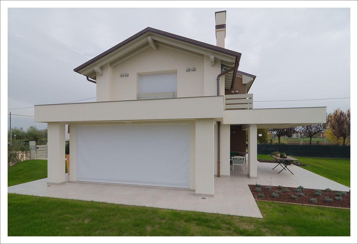 Serramenti in legno laccati bianchi porte scorrevoli - Tende oscuranti per finestre esterne ...