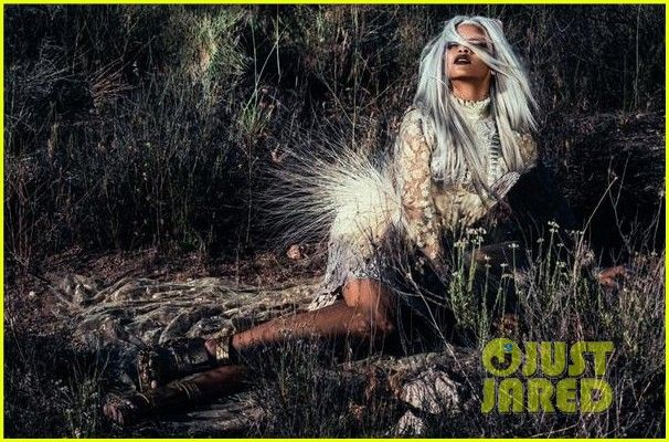 Rihanna Goes Grey in a Wig for 'Tush' Magazine Cover & Images   rihanna covers tush magazine 10 - Photo