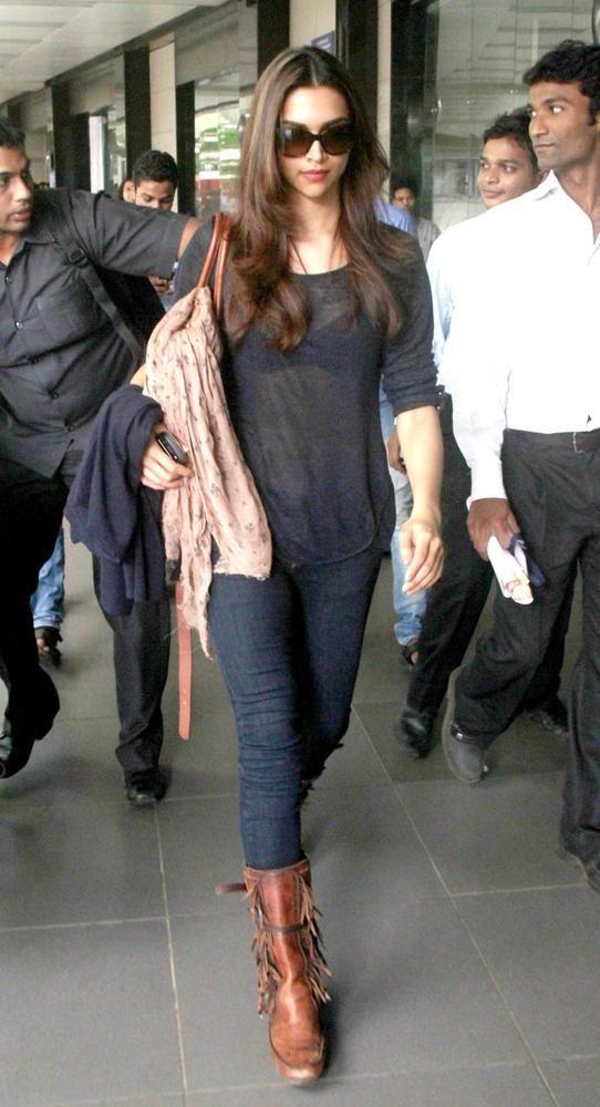 Deepika Padukone At Mumbai Airport Bollywood Style Fashion Salwar Pinterest