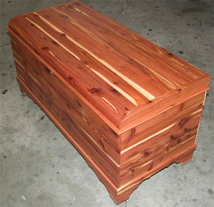 Amish Made Solid Cedar Chest With Padded Top And Lock Cedar Chest Cedar Furniture Cedar Box