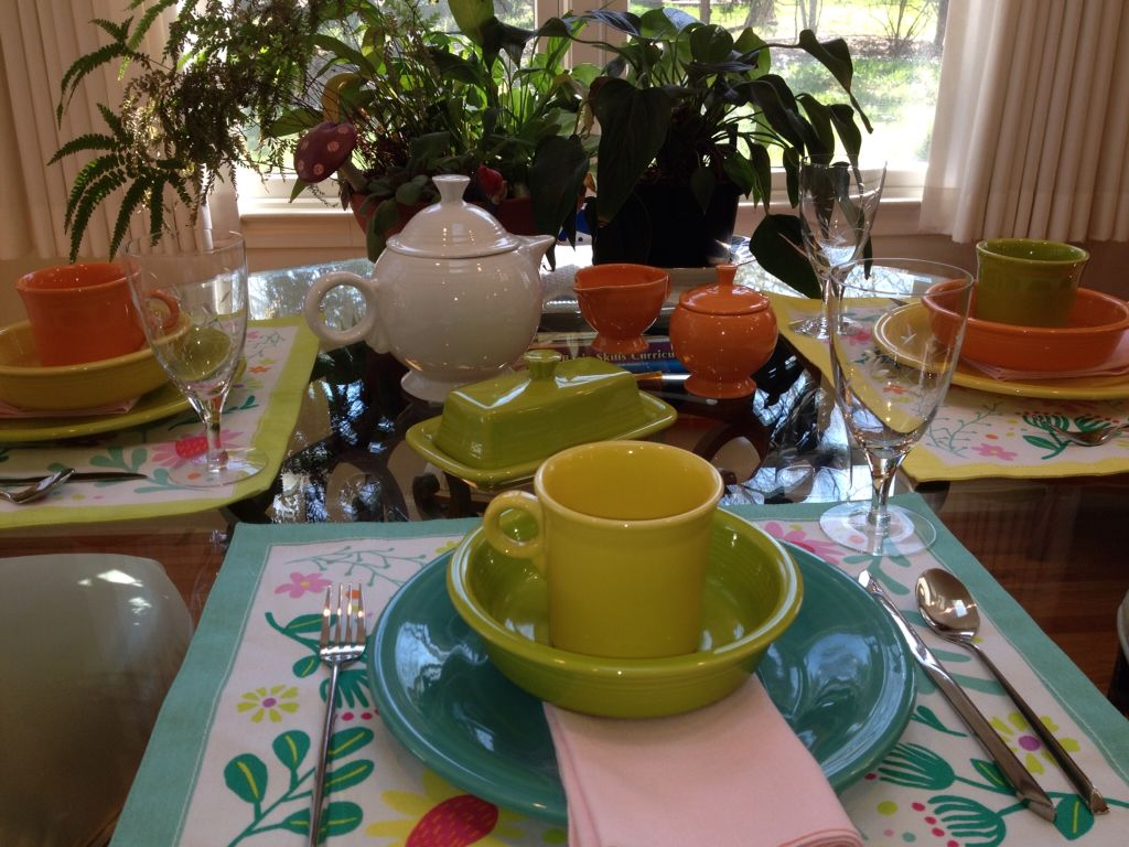 Spring table setting with fiesta dinnerware : fiestaware table settings - pezcame.com
