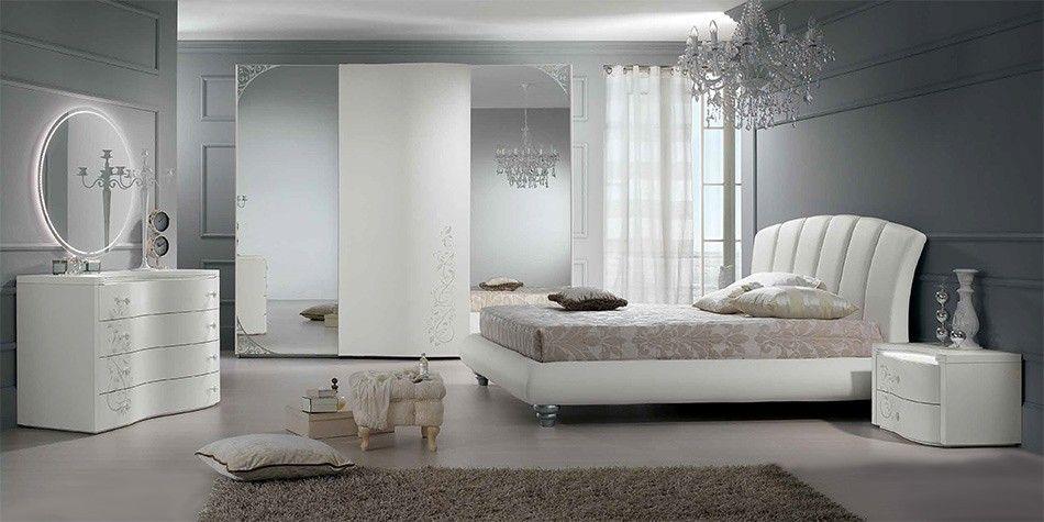 Spar   Camera Sogno in stile contemporaneo con decori argento e ...