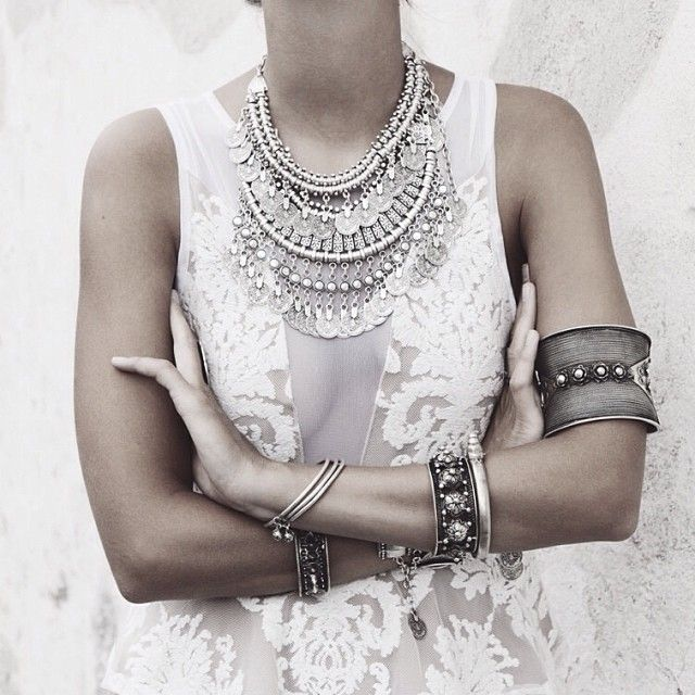 { accessories }