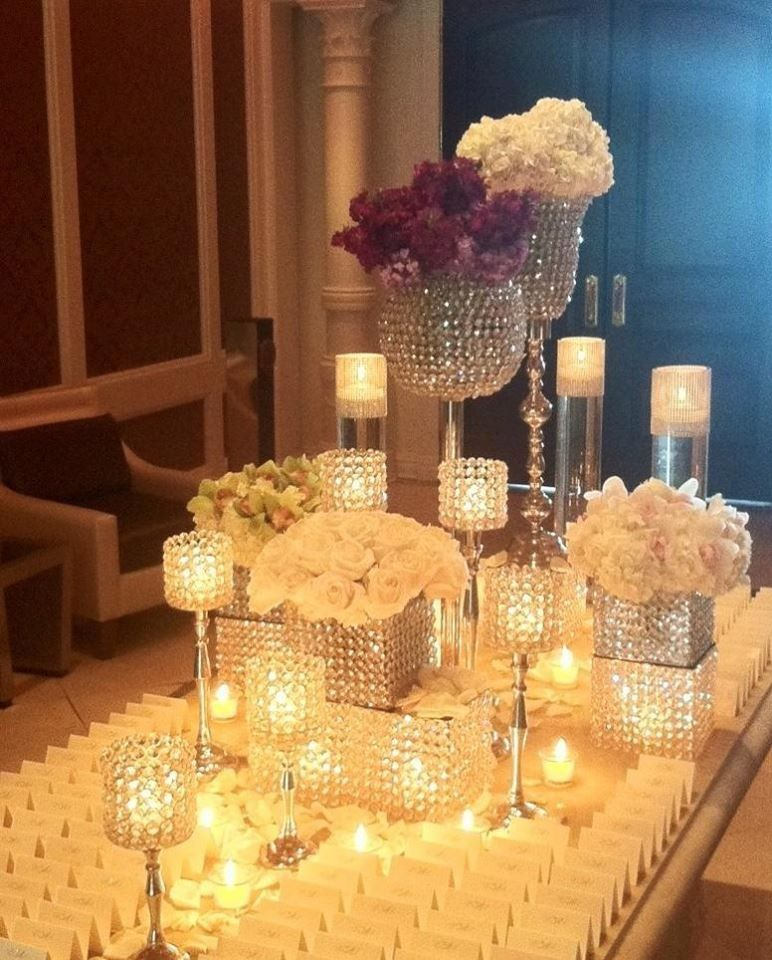 Diy Wedding Centerpieces: Votives And Vases With Stone 1/2 Marbles That You Can Find