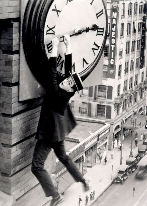 """Harold Lloyd in """"Safety Last!"""" (1923) (With images) 