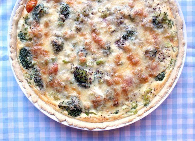 Kulinaari: Herkullinen parsakaali-gruyère-piiras