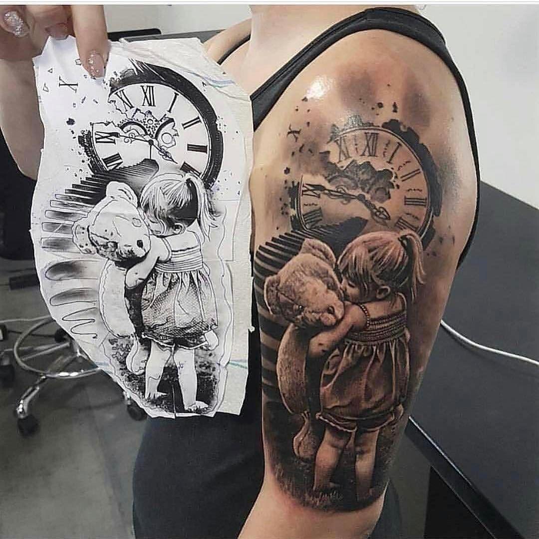 Tattoo Tatowierung Kunst Korperkunst Idee Design Tattoospirit Uhr Portrait Oberarm Treppe Weiblich Re With Images Original Tattoos Father Tattoos Baby Tattoos