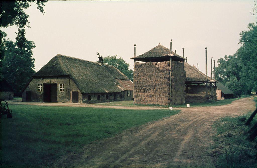 de oude boerderij groot hell 1975 foto gerrit de