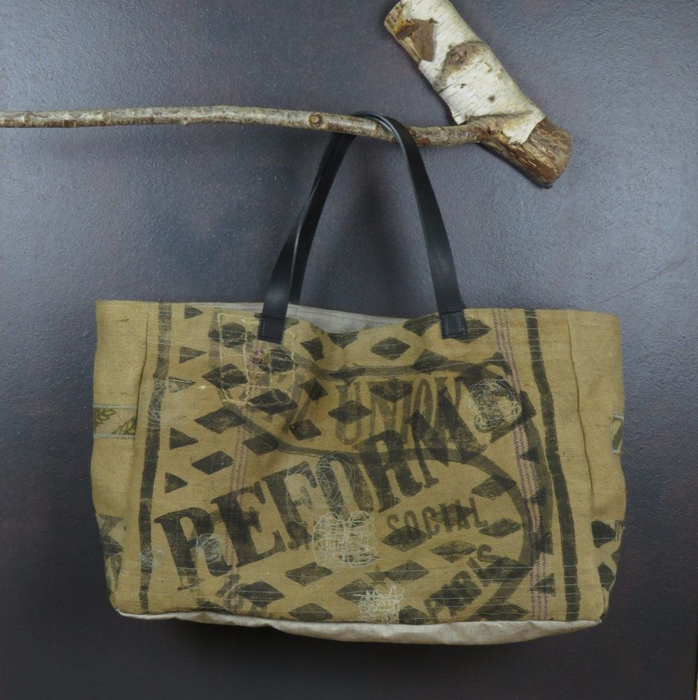 a007c130a8 Original grand sac de plage de forme cabas en toile de jute ancienne  (transformation sacs
