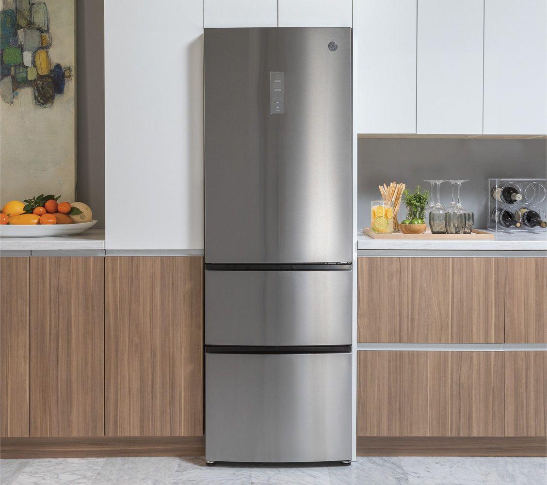 10 Easy Pieces Best 24 Inch Counter Depth Refrigerators Remodelista Bottom Freezer Refrigerator Counter Depth Refrigerator Refrigerator Small Kitchen