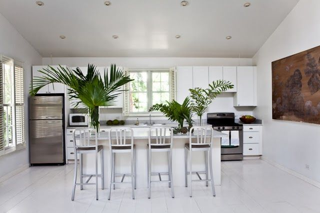 india hicks home white contemp cocinas cocina comedor decoración de unas on kitchen island ideas india id=82855