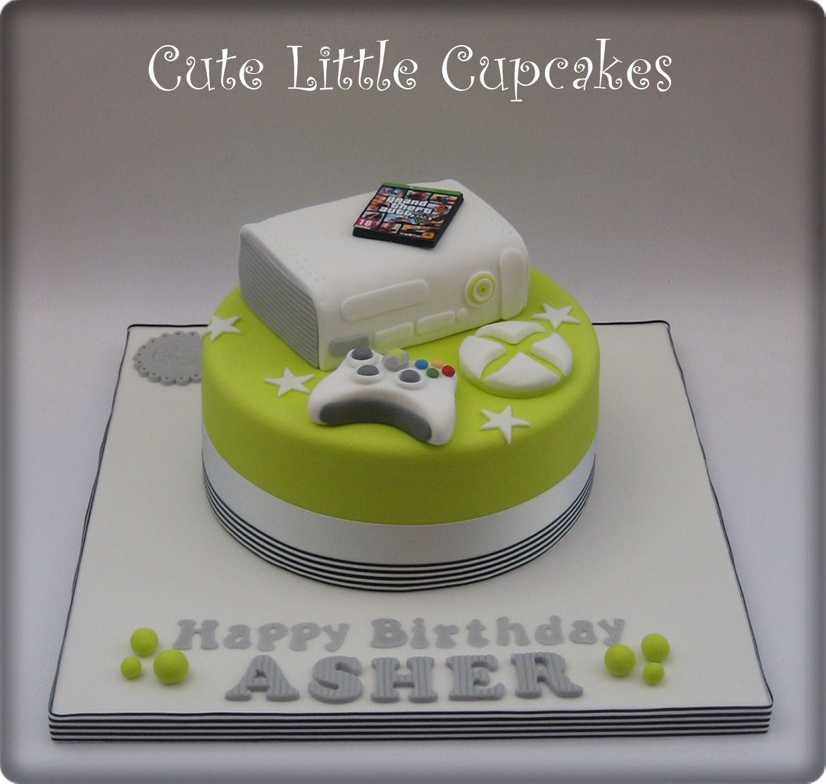 XBox themed birthday cake x A Pinterest Birthday cakes