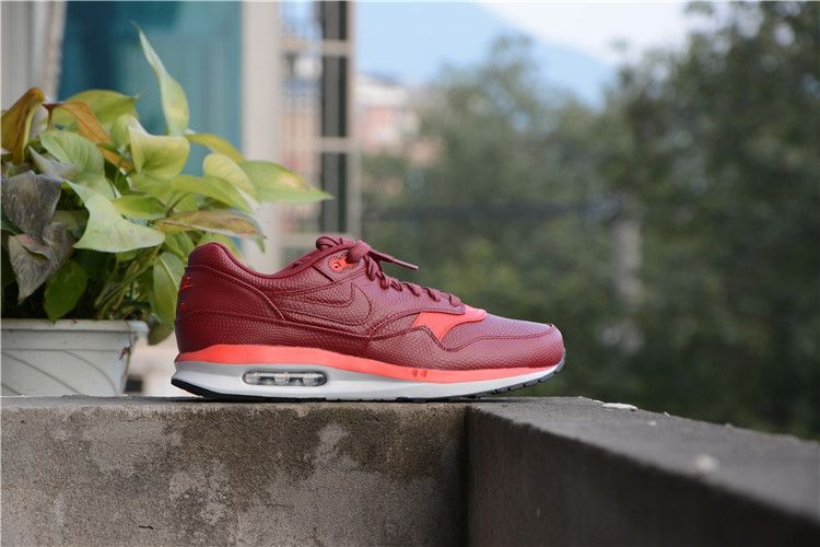 391dbfd3d17c8 ... canada nike air max lunar 1 deluxe team red chilling 652977 001 87555  bf5f3