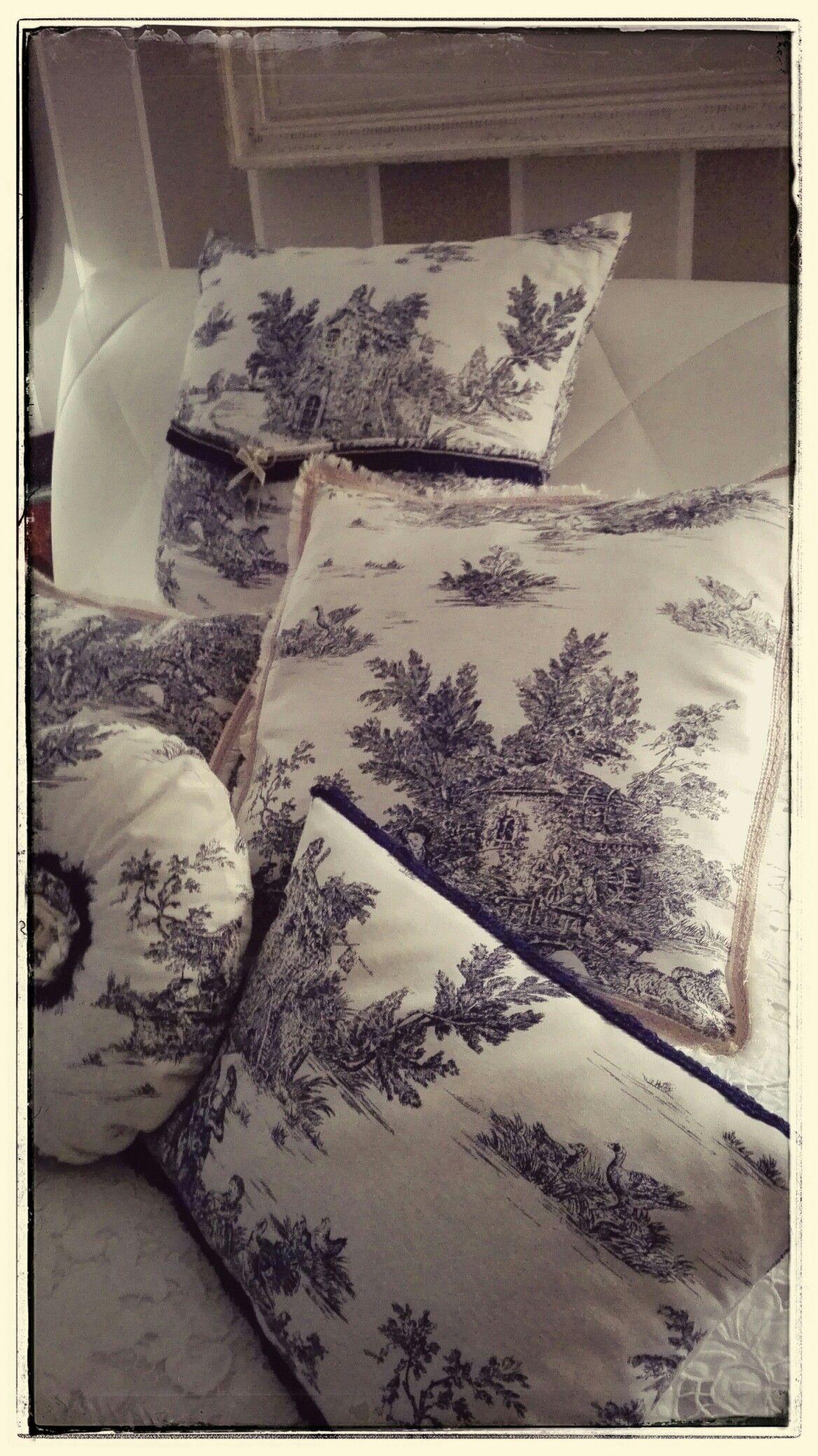 Cuscini handmade realizzati con tessuto Toile de jouy, per una ...