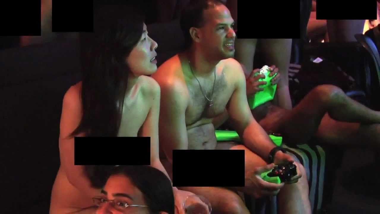 Alyssa milano breast naked