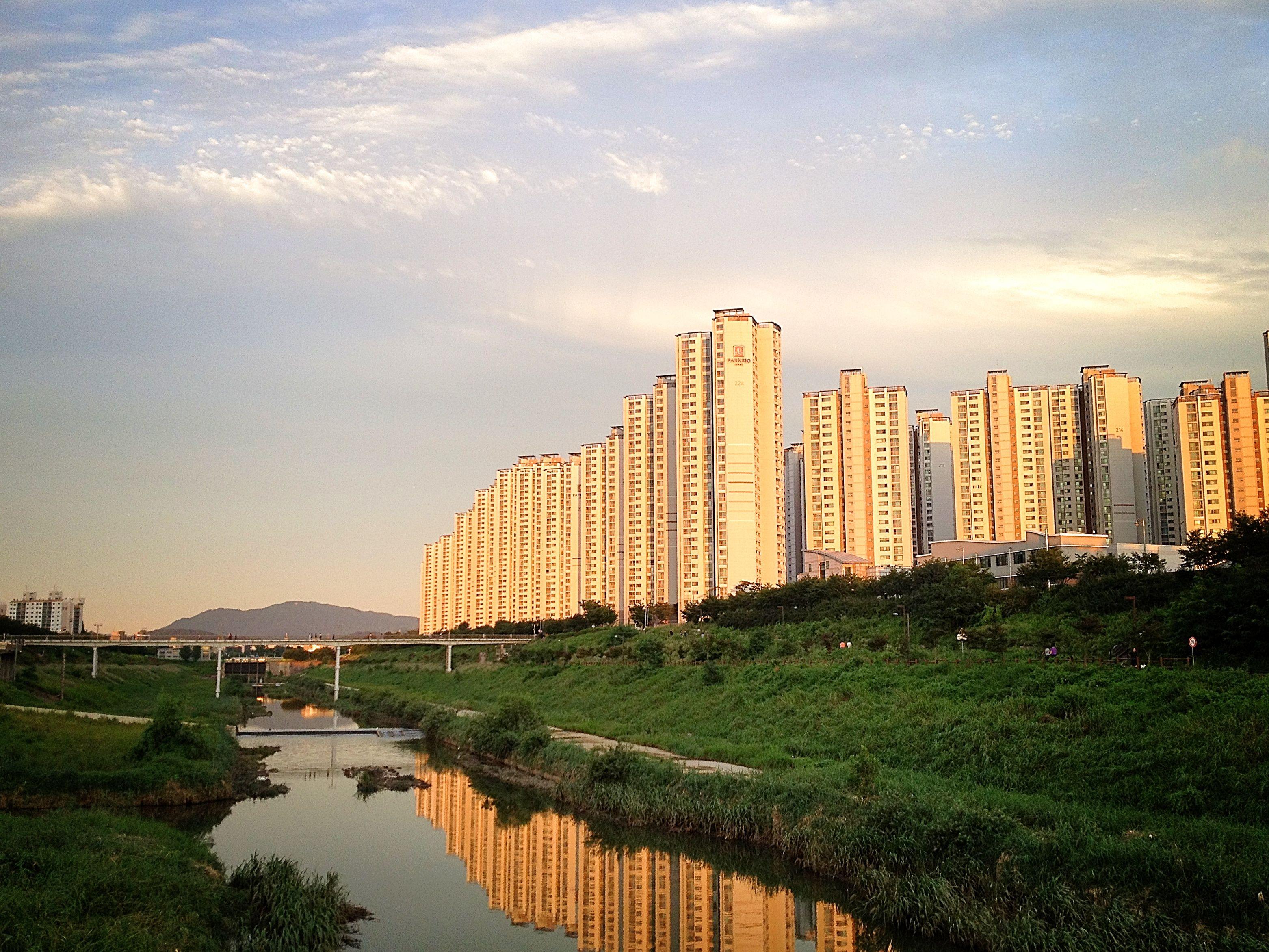 Songnae Stream, S E Seoul, South Korea