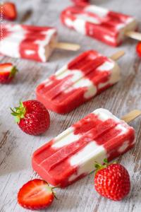 Photo of Erdbeer-Mascarpone-Eis am Stiel  – Kleines Kulinarium