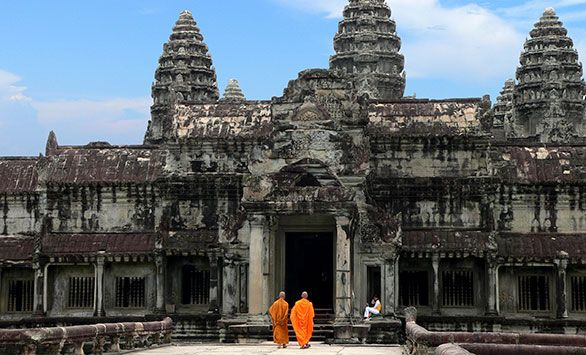 Rundrejser i Cambodja med Bravo Tours. Køb rejsen på www.bravotours.dk #BravoTours #SåSigerManBravo #FeriePåDansk #Cambodja #Travel #Culture #Tempel #Monk