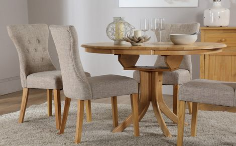 Hudson Round Oak Extending Dining Table With 4 Bewley Oatmeal