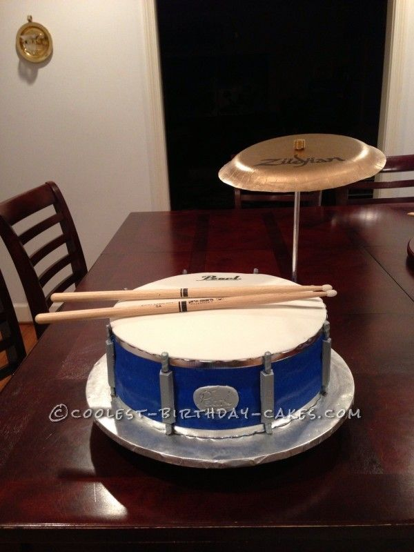 Drum Birthday Cakes on Pinterest Drum Cake, Guitar ...