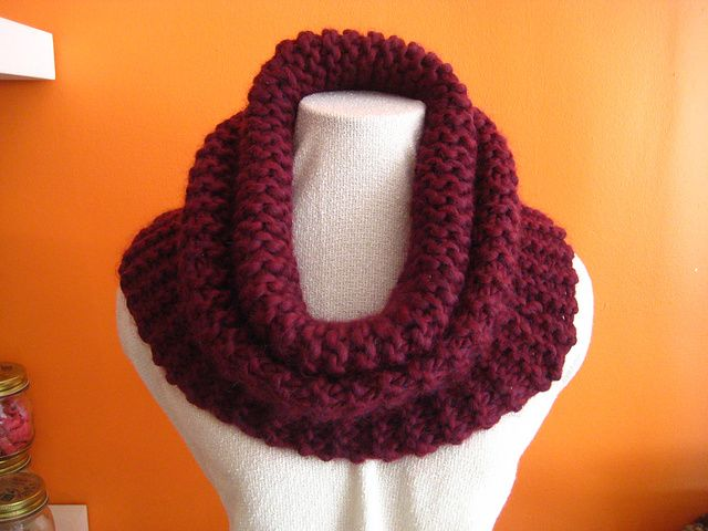 My Kind of Town Cowl by Trish Woodson - free   knitting   Pinterest